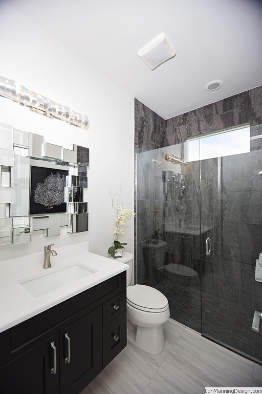 Black Accents in Bathroom