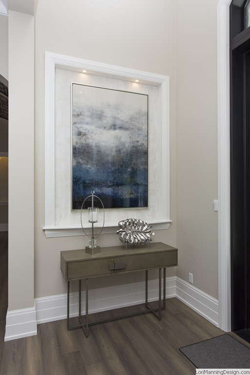 Foyer faux, matching artwork, console table